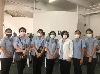 อาจารย์ประจำวิทยาลัยพยาบาลและสุขภาพ เข้าร่วมปฏิบัติงานเป็นพยาบาลอาสาสมัครฉีดวัคซีนป้องกันโรคติดเชื้อไวรัสโคโรนา 2019 (COVID-19) ร่วมกับศูนย์บริการสาธารณสุข 6