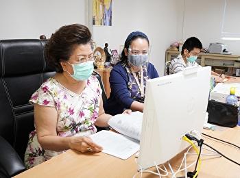 ผู้บริหาร คณาจารย์ สอบสัมภาษณ์คัดเลือกบุคคลเข้าศึกษาหลักสูตรพยาบาลศาสตรบัณฑิต ระดับปริญญาตรี ภาคปกติ ปีการศึกษา 2564 รอบที่ 4 (Direct Admission) ผ่านระบบออนไลน์